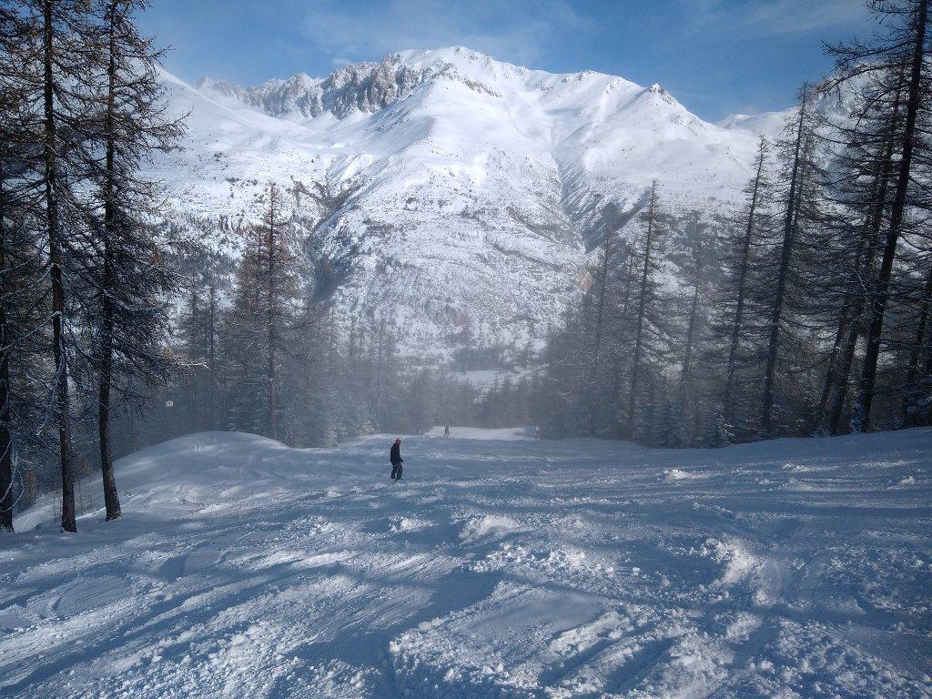skiing down towards Monetier